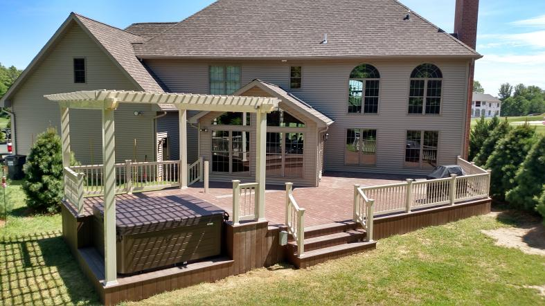 1000 sqft deck in Canfield Trumbull county